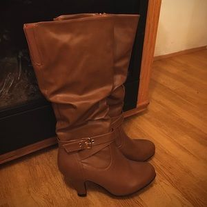 Shoes - New Brown Leather Kitten Heel Slouch Boots